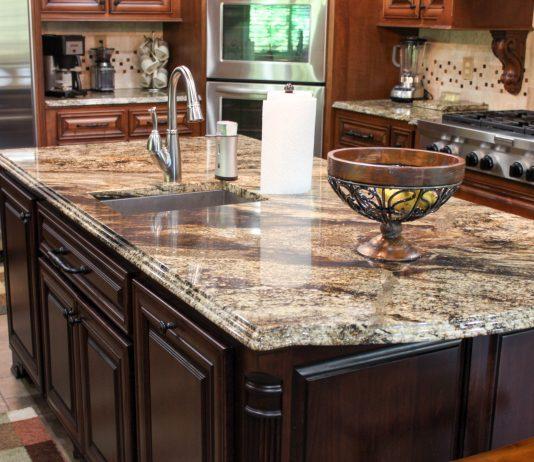 Granite or Quartz: The Countertop Debate Examined