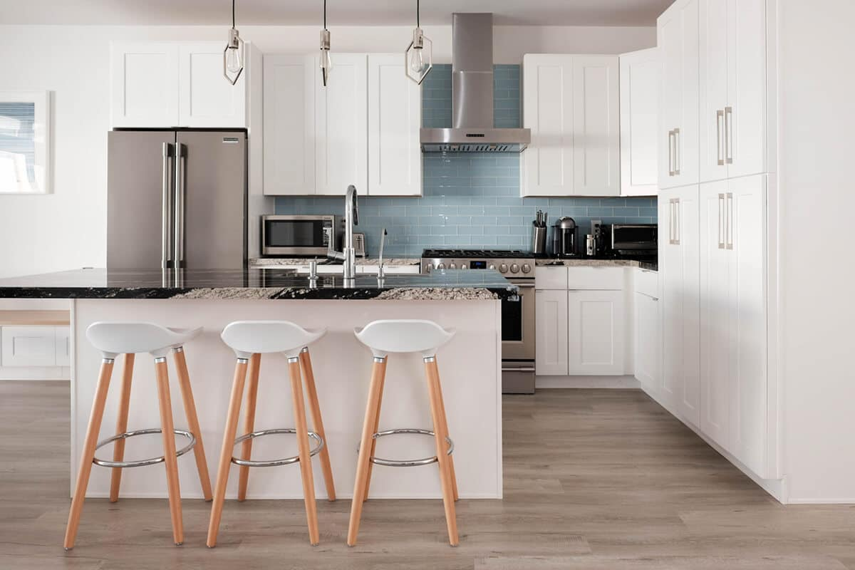 20 Reasons Americans Love Shaker Kitchen Cabinets Best