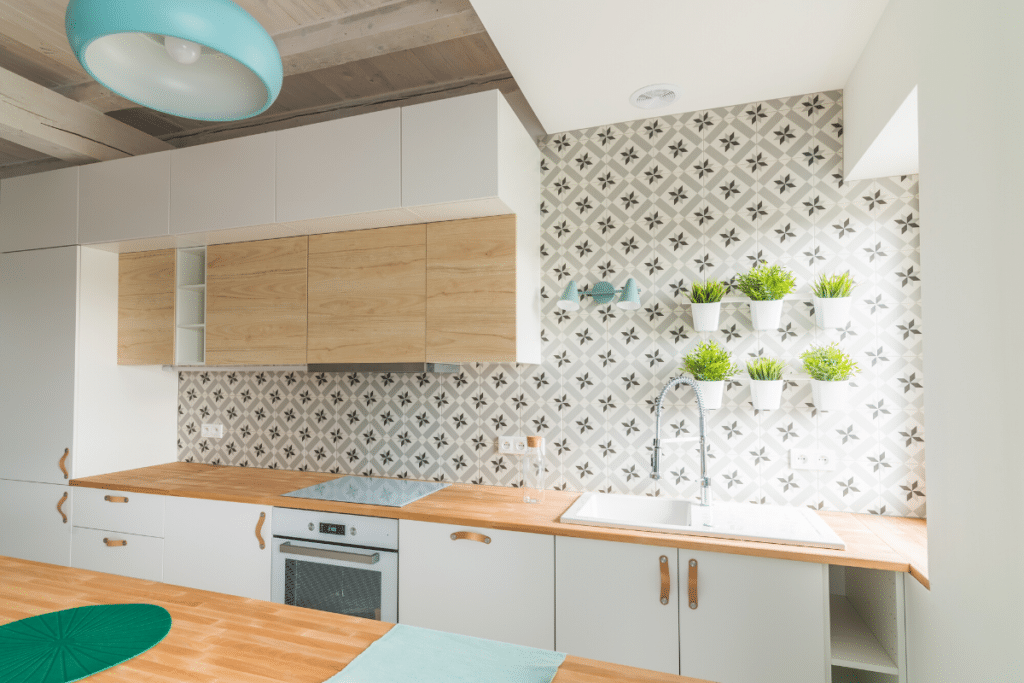 White Kitchen Cabinets - Easy to Decorate
